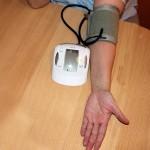 一本の針で高血圧を直す「世界発の治療法」とは?